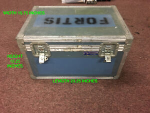 USED ROAD CASE WITH PADDED DIVIDERS INSIDE, GREAT PRICE FOR SALE