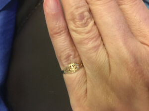 Adorable 10k gold baby ring