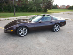 1995 Corvette Coupe, Only 65K kms & rare 6 Speed Trans.