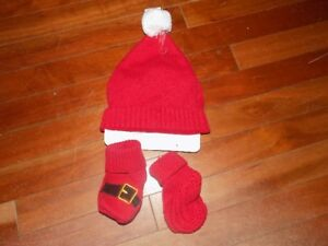 New 'Santa' Hat & Booties. 6-12 Month