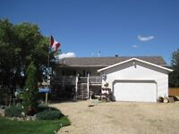 Large 1564 sq/ft Home & Huge Yard near Camrose just $377,900