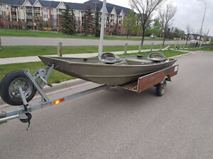 Lowe 1436L fishing boat with trailer