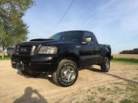 2007 Ford F150 LOW KMS 4x4