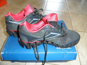 BNIB Zig Tech Reebok running shoes