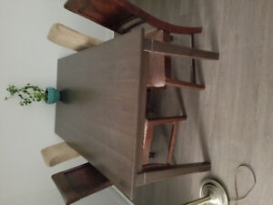 Dining set, including table and 4 chairs