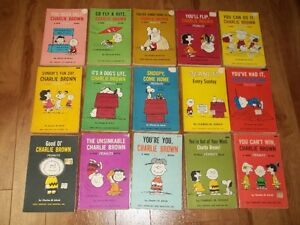 "25 Vintage ""Peanuts"" Charlie Brown Books"