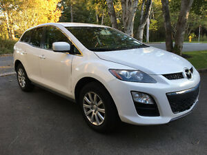 CONVENIENCE DEAL!! Selling our like-new Mazda CX-7 SUV,