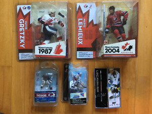 NHL HOCKEY FIGURES-MacFarlane NEW unopened,The Lemieux in the p