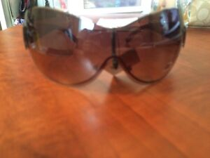 DG sunglasses brown or red London Ontario image 2
