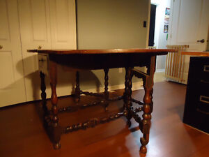 Antique William and Mary Table Kingston Kingston Area image 2