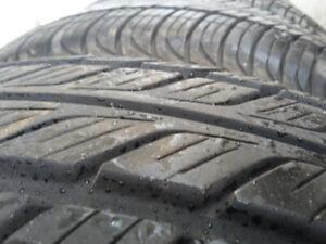 4 pneus été Toyo 205/65R15 bons pour 3 été.