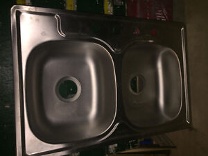 BRAND NEW DOUBLE STAINLESS STEEL SINK