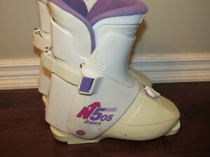 Youth ski boots Nordica Peterborough Peterborough Area image 2