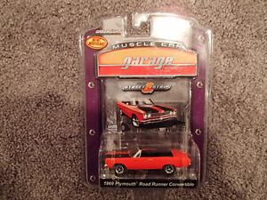 Greenlight Collectibles 1969 Plymouth Road Runner Convertible -