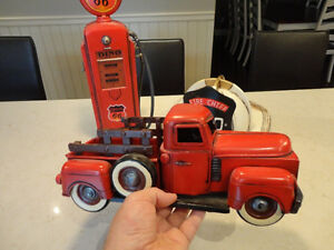 Three Cool Reproduction 1940's Tin Toys for Home Decor use Kitchener / Waterloo Kitchener Area image 2