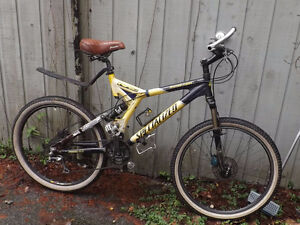Specialized Stumpjumper, full suspension, 27 speed