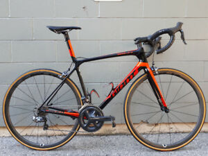Near Mint 2016 Giant TCR Advanced SL 1