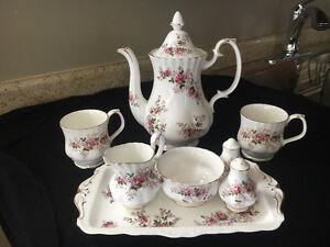 Royal Dalton China set Lavender Rose