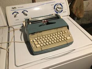 Vintage electric SCM Smith Corona Coronet Electric typewriter
