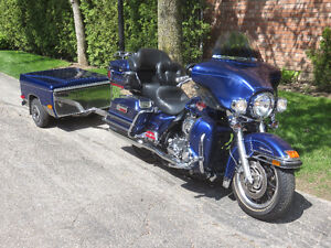 2007 Harley-Davidson Ultra Classic and Denray trailer.