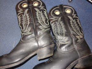 Cowboy boots- size 11 wide- recycledgear.ca