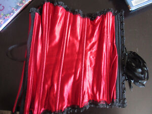 Roselle size 36 red corset with black trim