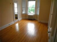 LARGE Masterbedroom- showings this week- Attn Trent Students