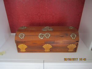 Beautiful Pine Jewelry Box with horseshoes on it.