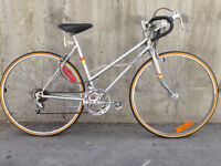Ladies Road King road bike/city commuter in great condition!
