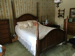Four Poster Bed Frame - Queen Size