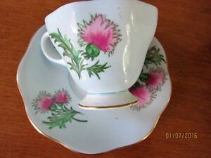 CUPS ENGLISH PORCELAIN  WITH FREE STAND
