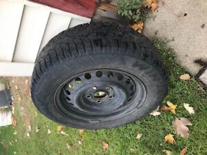 4 pneus d'hiver 195/65/15 pouces , pirelli
