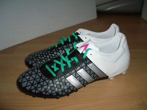 """"""" ADIDAS """" cleats /soccer shoes -- like NEW -- size 10.5 - 11 US"""