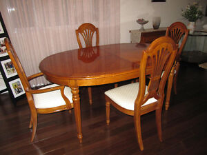 dining room set.   Moving must sell