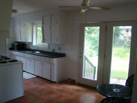 All inclusive - 3 Bedroom House (2 mins from Laurier)