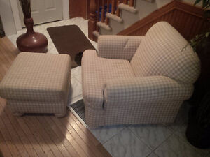 Chair and footstool Cambridge Kitchener Area image 1