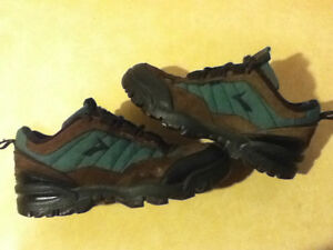 Green & Brown Brooks Sneakers Size 6.5 London Ontario image 1