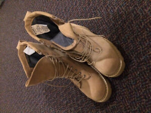 MEns size 6 army.