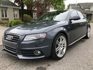 2011 Audi A4 2,0T Quattro Premium Plus package S-Line Berline