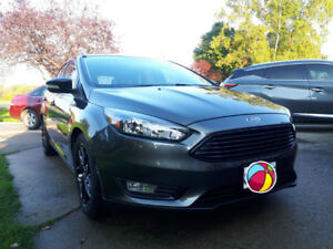 Lease Takeover - Gorgeous 2018 Ford Focus SEL / Loaded