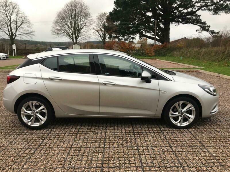2017 Vauxhall Astra 1.4i Turbo SRi Nav 5dr Hatchback Petrol Manual