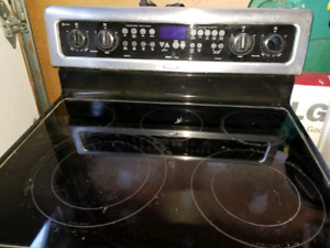 Whirlpool steenles Electric stove