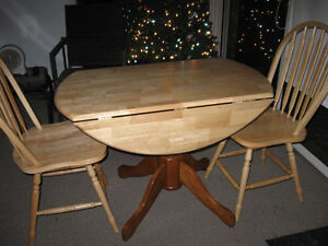 Chairs buy or sell dining table sets in winnipeg for Dining room tables kijiji winnipeg