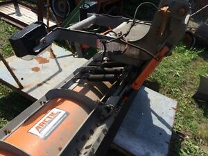 ARCTIC 8 FOOT POLY SNOW  PLOW FITS 2012 F 250 London Ontario image 2