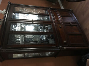 2-Piece Glass Pannel Display Cabinet