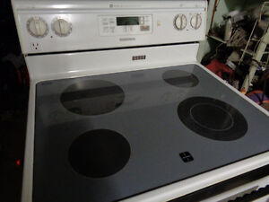 MAYTAG S/C GLASSTOP STOVE.................EXCEL COND!!!!!!!!!!