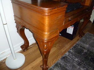 ANTIQUE DESK Windsor Region Ontario image 2