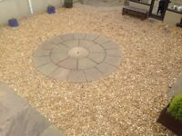Natural Indian stone circle with Australian gold gravel