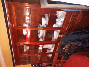 Hutch/Display Cabinet/Dining Room Table/Chairs/Plant Stand