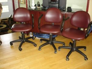 chaise de comptoir ou chaise pour travail de bureau
